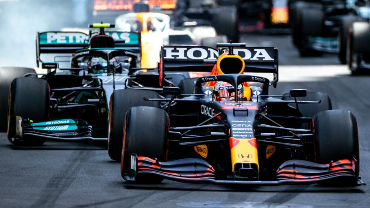 """""""Mercedes have been mighty there""""– Christian Horner nervous of Mercedes challenge in Baku"""