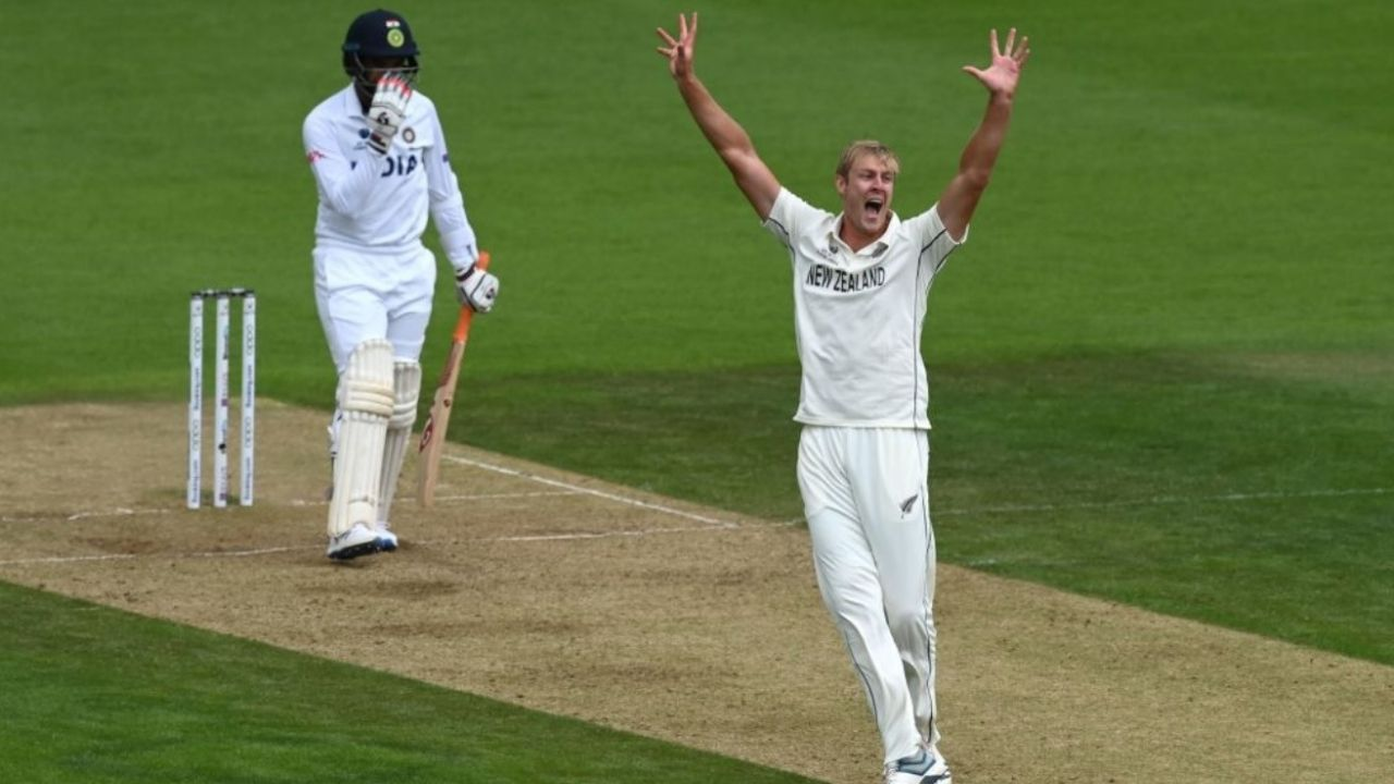 Fifer in cricket: What do commentators mean when they say that a bowler has picked a fifer?