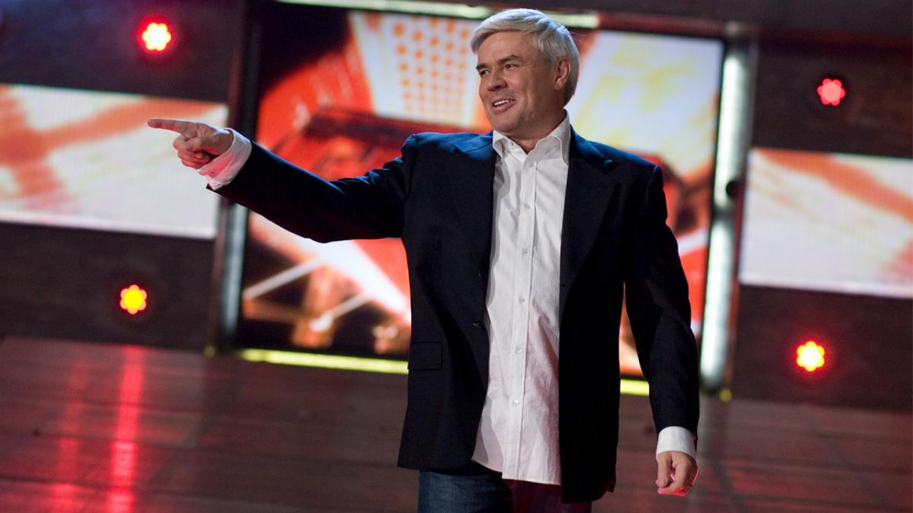Eric Bischoff does not think Vince McMahon is selling WWE