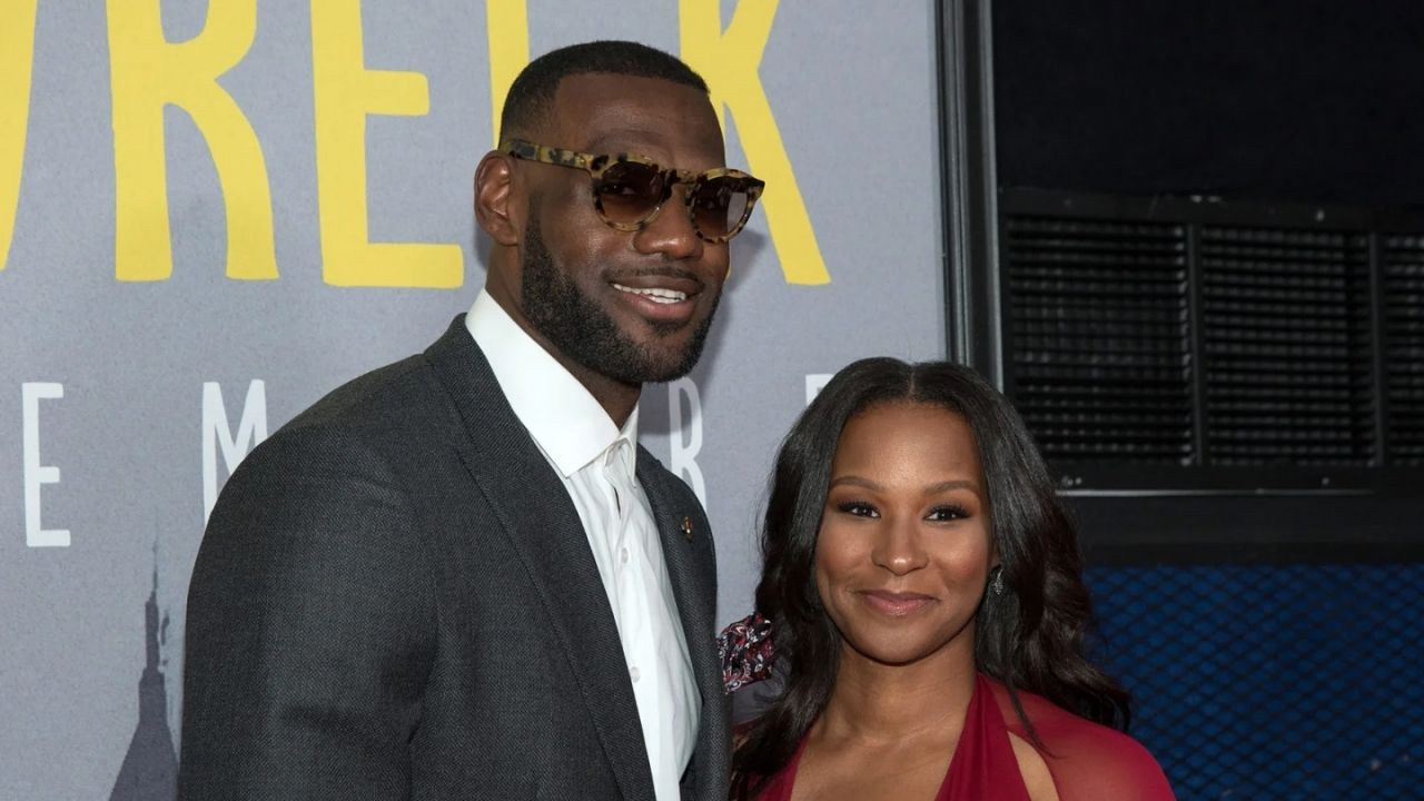 'LeBron James calling himself DILF messed me up': NBA Fans mock Lakers star for calling Savannah James a mi*f in Space Jam premiere photo
