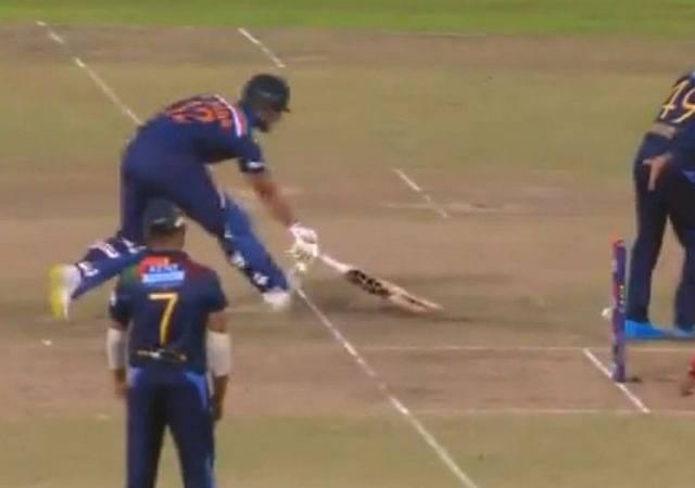 Wanidu Hasaranga imitates MS Dhoni: Sri Lankan all-rounder nails no-look backhand flick in 2nd Colombo T20I