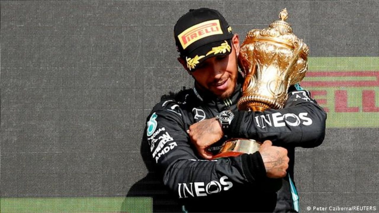 """""""I don't believe our behaviour was disrespectful""""– Lewis Hamilton counters Max Verstappen and Red Bull's accusations"""