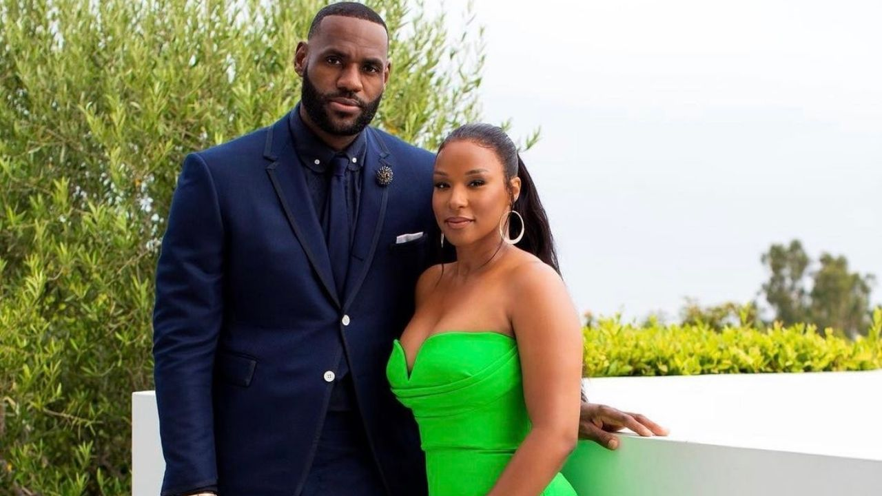 """""""LeBron James almost missed our prom night"""": When Savannah James joked about the Lakers superstar's commitments at a YWCA event in 2017"""