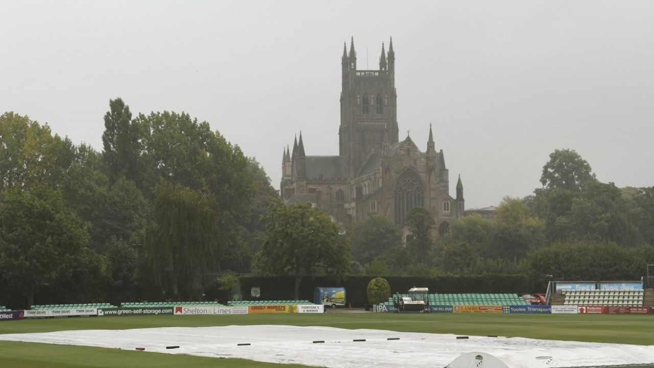Weather in Worcester now: Will it rain today in County Ground, New Road?