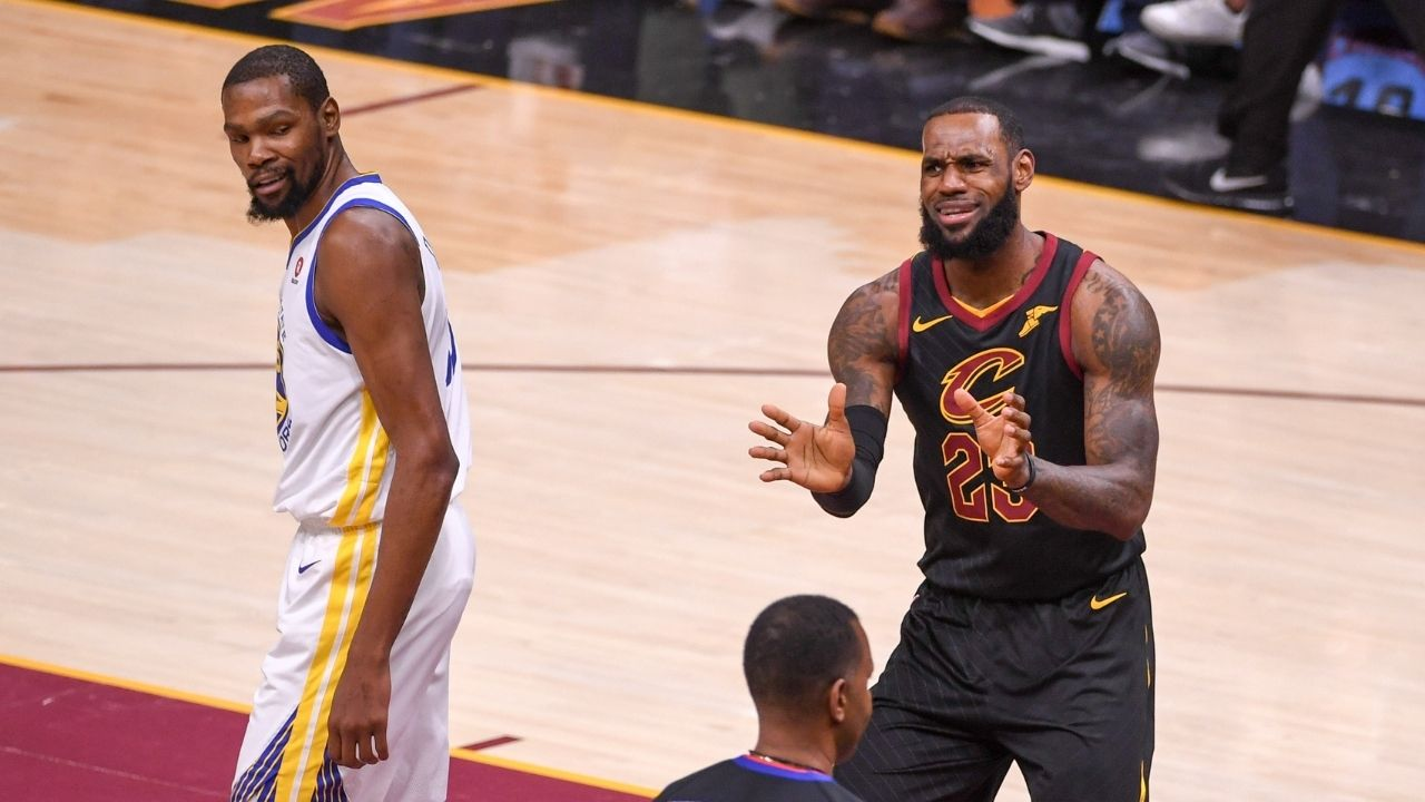 """""""2017 NBA Finals were better than the Bucks-Suns Finals"""": Kevin Durant hilariously lashes out at a fan after claiming his series against LeBron James featured 'perfectly balanced teams'"""