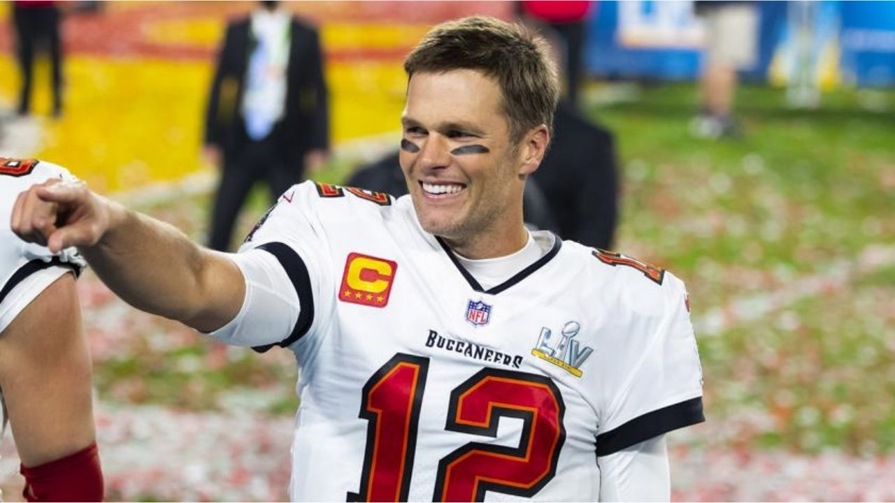 """""""Tom Brady looks like he's 25 years old"""": Buccaneers' QB coach Clyde Christensen says the NFL GOAT looks better than ever ahead of 2021 season."""