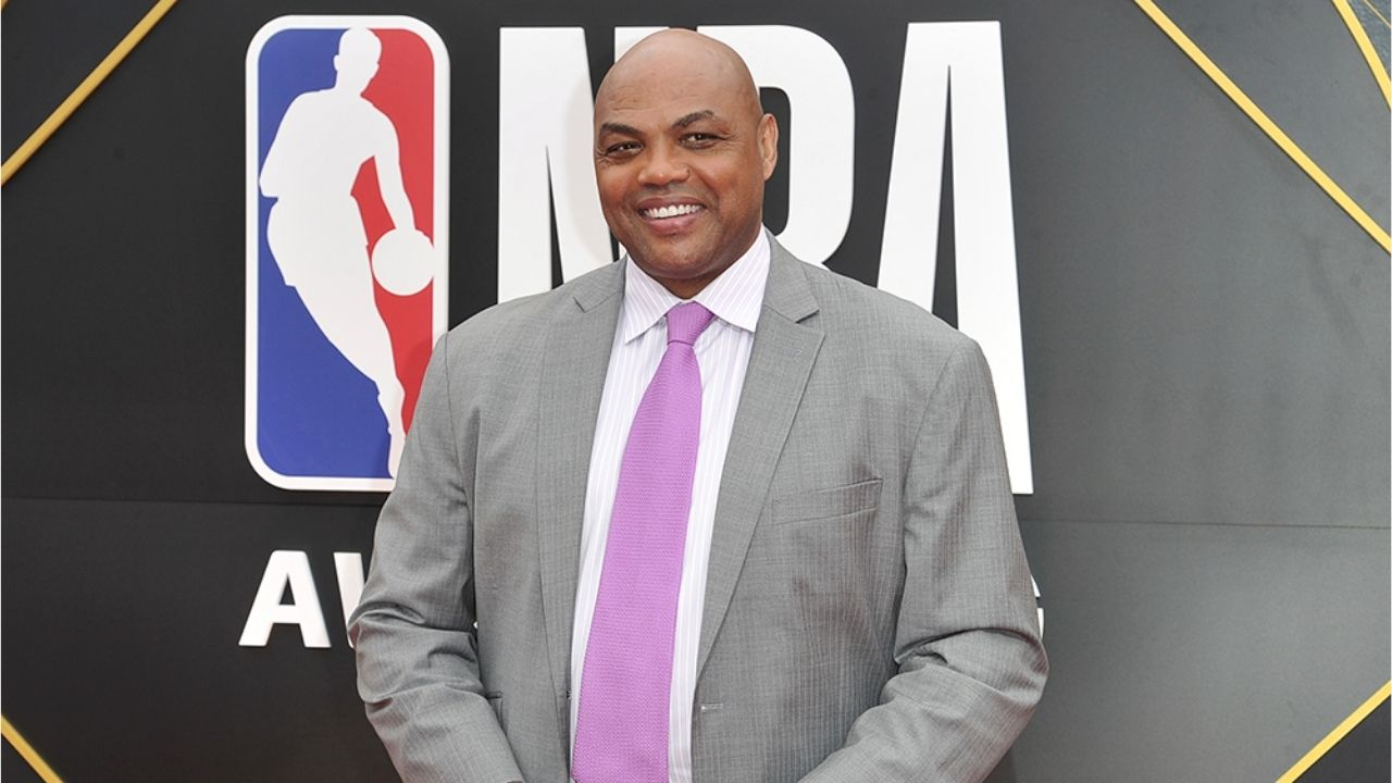 """""""Saw a couple cougars last night"""": Charles Barkley hilariously names off various women's names during Tom Brady and Aaron Rodgers's 'The Match'"""
