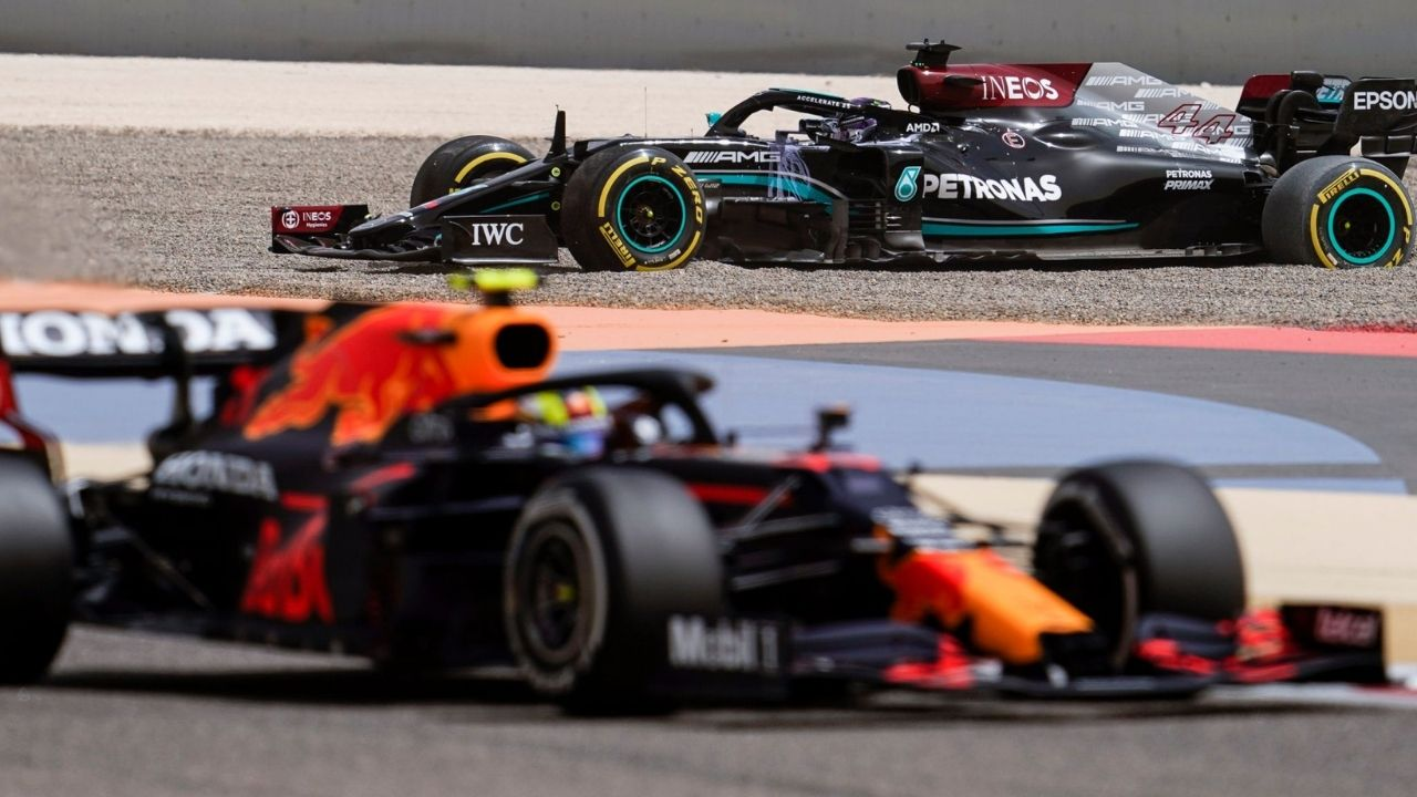 """""""We then also reduced the pace a bit""""– Red bull is still faster than Mercedes without full power"""