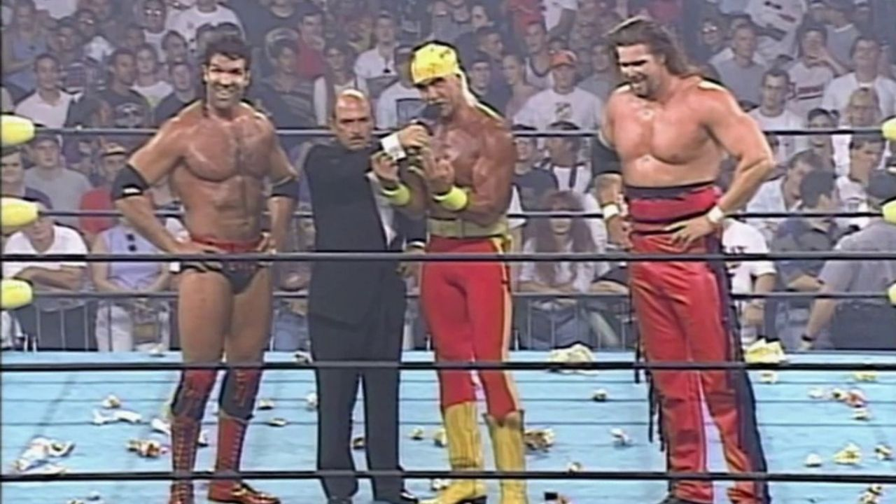 Eric Bischoff details influences that almost stopped Hulk Hogan from joining nWo