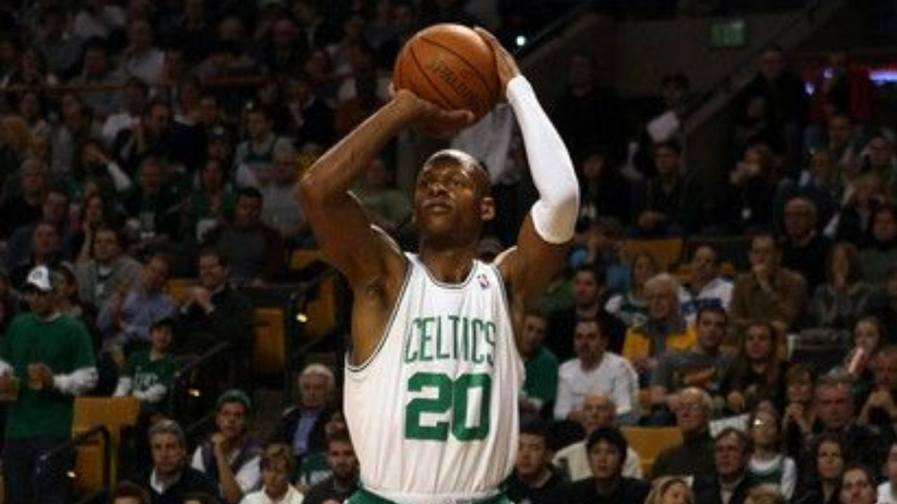 """""""99.2% of all people that don't get vaccinated are dying!"""": Former Heat star Ray Allen issues an ominous warning to the Anti-Vaxxers of the world"""