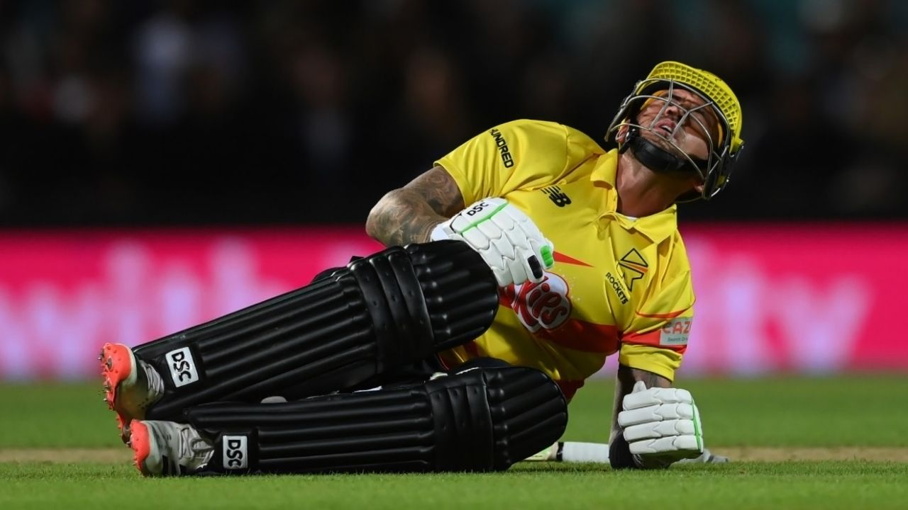 """""""Minimal swelling and maximum pain"""": Alex Hales tweets after getting hit in the crotch twice against Reece Topley in The Hundred 2021"""