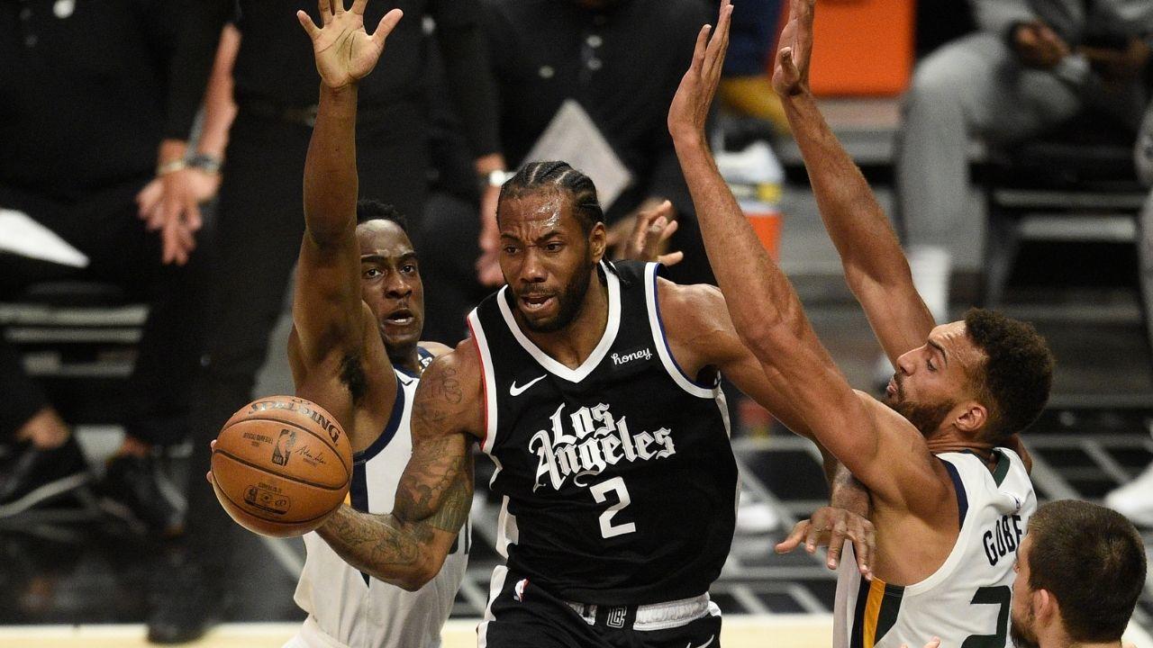 """""""Kawhi Leonard gets away with things that LeBron James and Kevin Durant would be crucified for"""": NBA fan grabs the attention of the NBA community with hate laced rant about the Clippers star"""