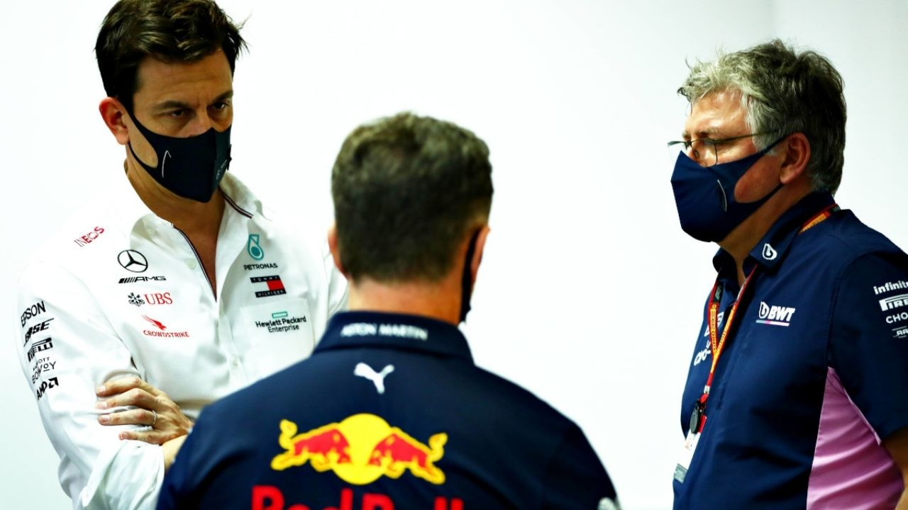 """""""I like to think that we're more boxing"""" - Aston Martin boss Otmar Szafnauer craves for more open battles between Mercedes and Red Bull"""