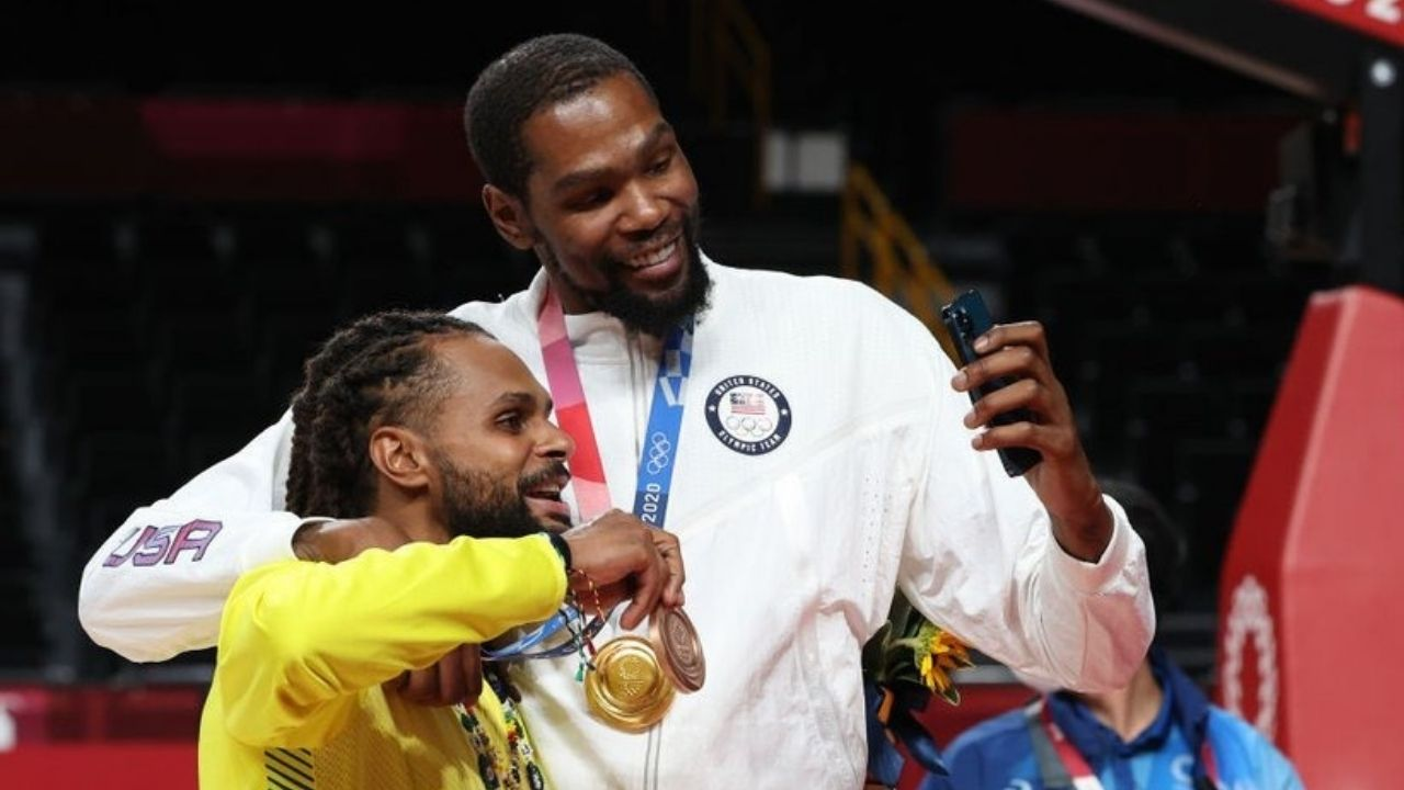 """""""There's gonna be problems for those Boston Celtics this year"""": Team USA leader Kevin Durant hilariously throws shade at the Celtics while hyping up newest Nets teammates during the victory ceremony"""