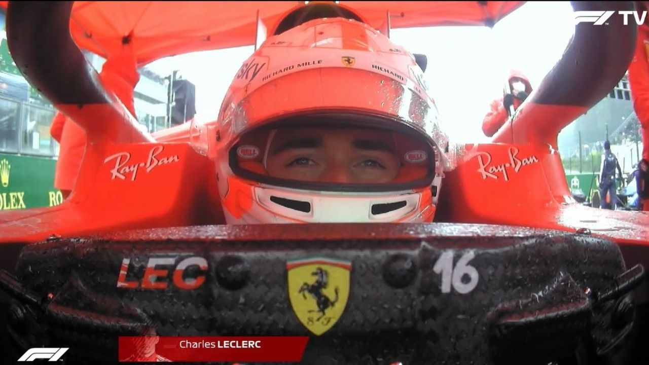 """""""Let me know if I can go to the toilet""""– Charles Leclerc denied important leak amidst race delay"""