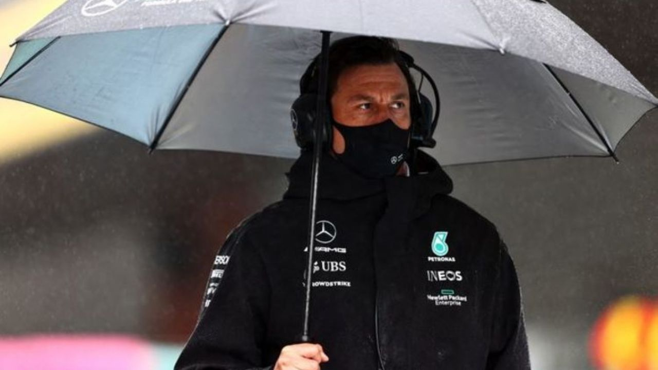 """""""You need to take this one on the chin""""– Mercedes boss Toto Wolff on what should be his team mindset after defeat in Belgian GP in 'farcical way'"""