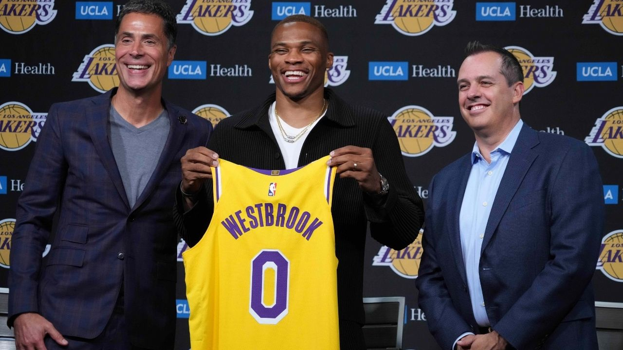 """""""LeBron James and Russell Westbrook need to sacrifice for the team"""": Frank Vogel identifies the only way the Lakers can hope to experience success next season"""