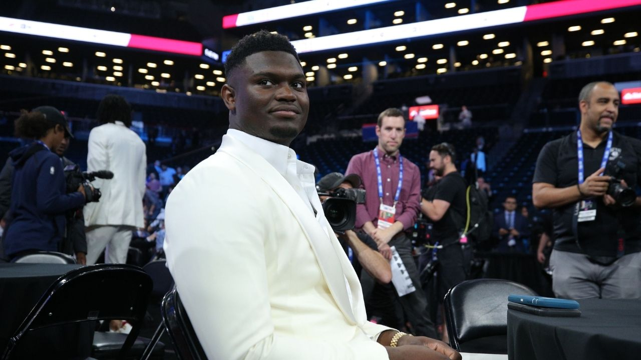 """""""Zion Williamson over-enthusiastically mentioned how he loved New Orleans, he could be lying"""": NBA Twitter sparks a debate focusing on the Pels star's demeanour while answering question about David Griffin"""