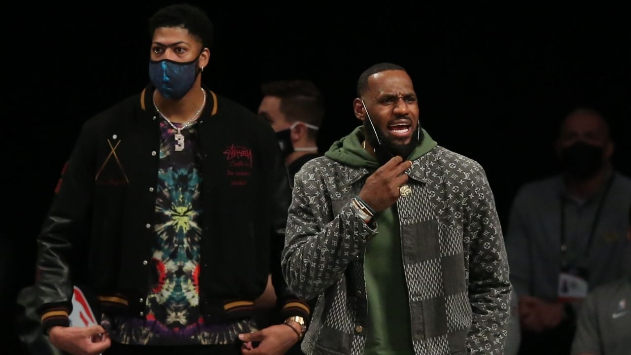 """""""LeBron James can't drive!"""": Lakers superstar hilariously gets roasted alongside Anthony Davis during altercation in GTA"""