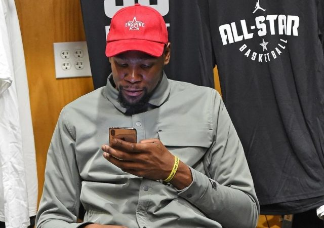 """""""Hate small talk what u want?"""": Kevin Durant fends off haters with his new Twitter profile picture and header"""