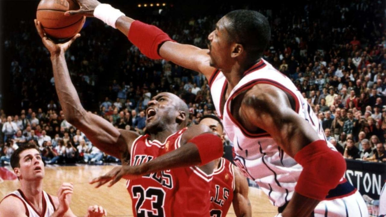 """""""Hakeem Olajuwon redeemed himself by blocking Michael Jordan on a game-winner"""": How 'The Dream' saved the game for Houston by rejecting the Bulls superstar in the clutch"""