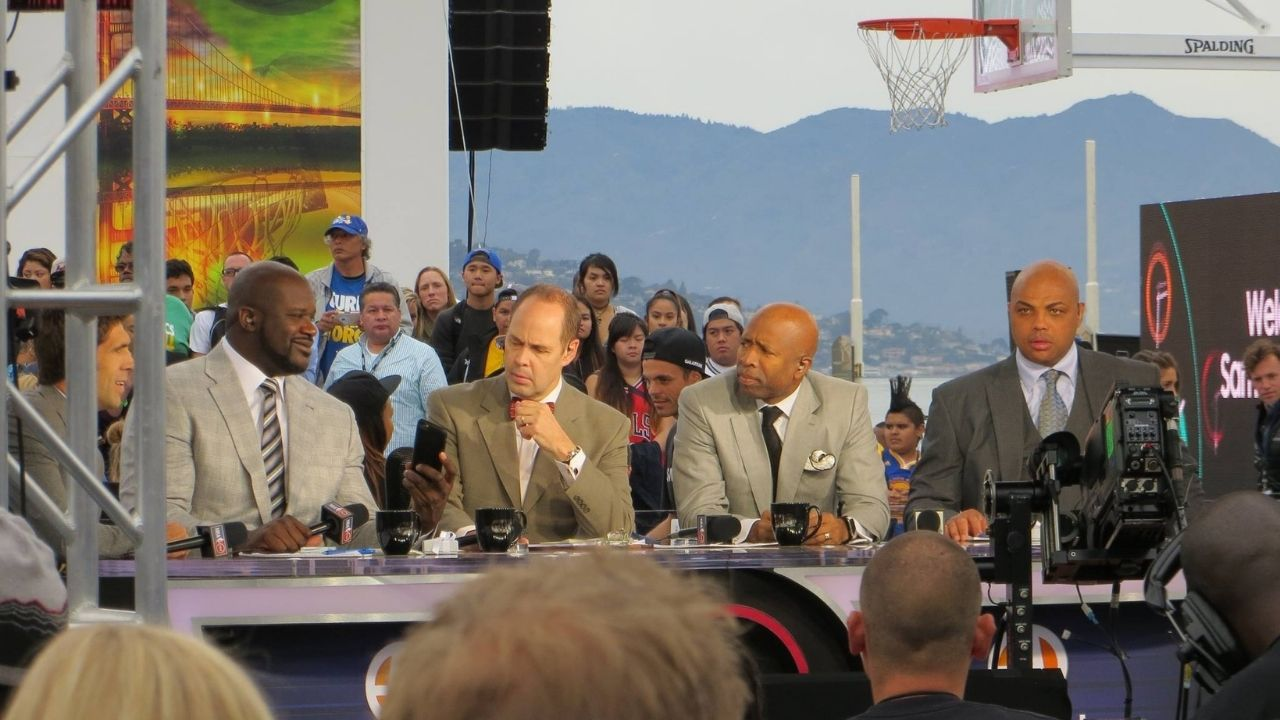 """""""Shaquille O'Neal didn't have a single 50-point game"""": Ernie Johnson hilariously trolls the Lakers legend to the delight of Charles Barkley and Dominique Wilkins"""