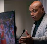 """""""So that's why Charles Barkley wears hot pants"""": When Kenny Smith and Shaquille O'Neal hilariously roasted the NBAonTNT analyst after he gave a heartfelt answer"""