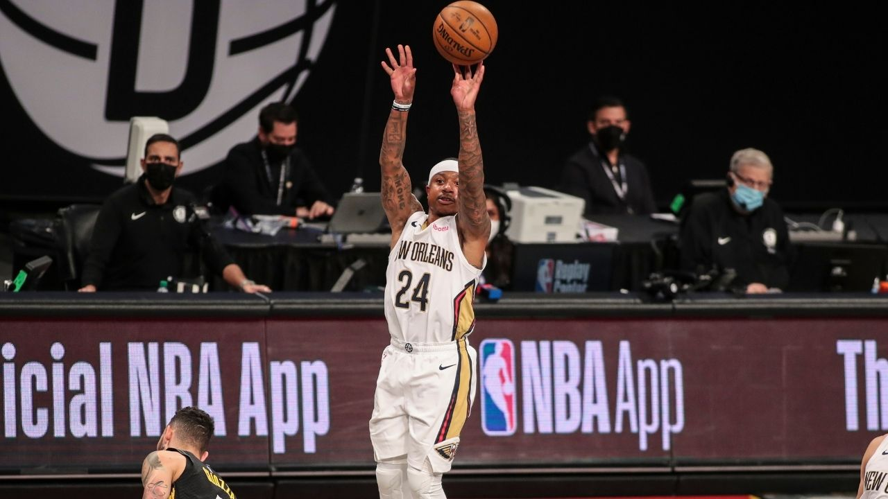 """""""Isaiah Thomas really wore a pair of Kobe Bryant shoes and dropped 81 points"""": NBA Fans erupt as the former Boston Celtics star explodes for a 81-point performance in a Pro-Am Game"""