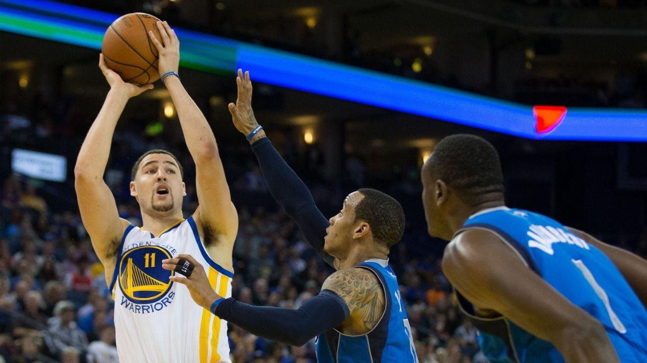 """""""Klay Thompson is an Ice-Cold Killer!"""": Former Warriors' Assistant Coach talks about how Monta Ellis got schooled by a rookie Klay"""