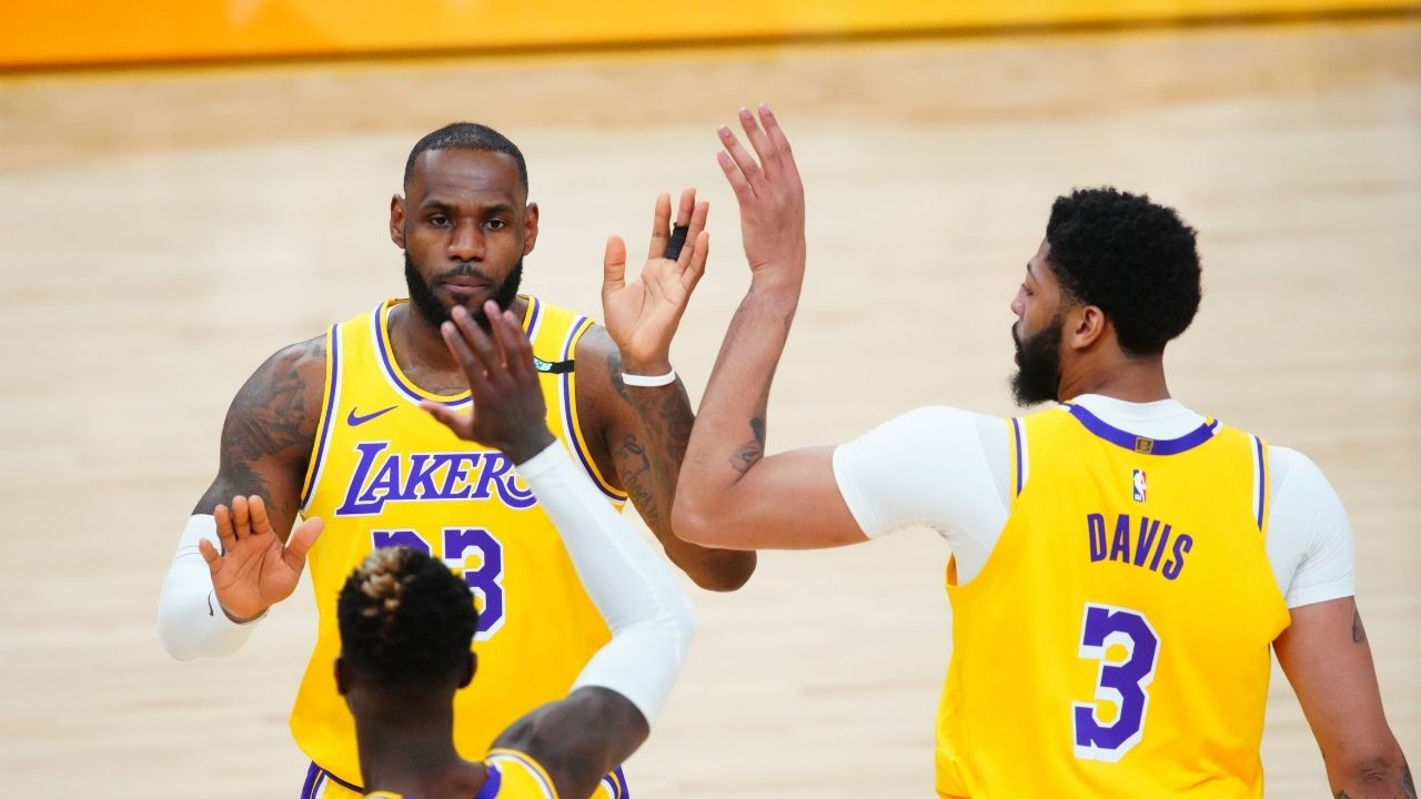 """""""Let me show you how it's done, Anthony Davis!"""": When LeBron James couldn't stop laughing at the Brow's shaky impression, and taught him how to do it right"""