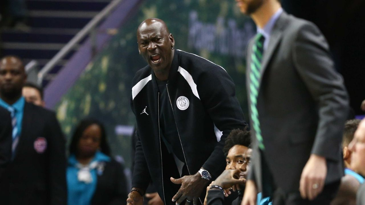 """""""We woke Michael Jordan up"""": Glen Rice reflects on how he unwittingly ticked off Bulls legend, causing a scoring barrage by him on the Hornets"""