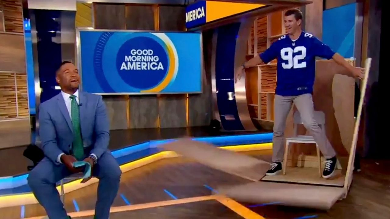 """""""I carried Eli Manning"""": Michael Strahan Trolls Former Giants Teammate After Being Surprised With Jersey Retirement News"""