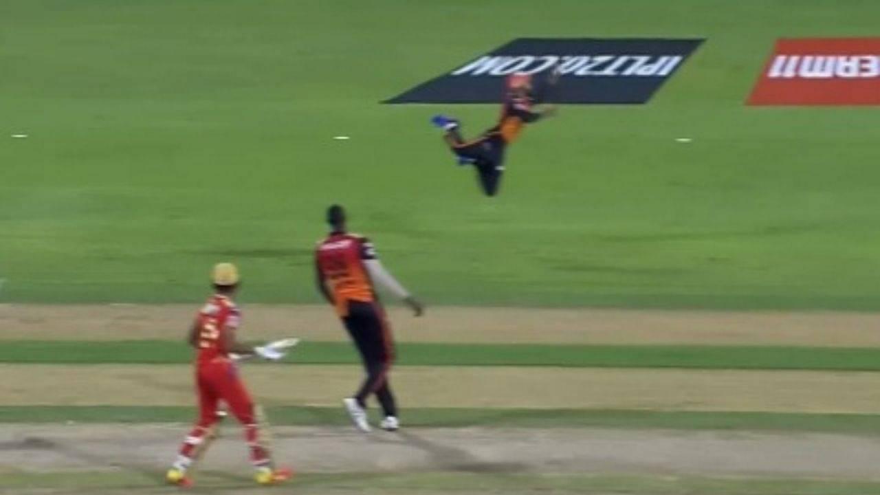 J Suchith catch vs Punjab: SRH substitute fielder grabs stunning airborne catch to dismiss Deepak Hooda in IPL 2021