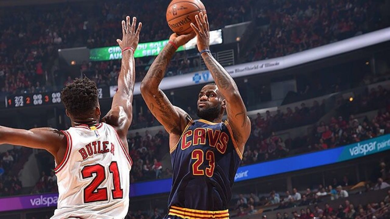"""""""Scratch the play, just give me the ball"""": When LeBron James superseded his head coach to hit one of the most clutch shots of his career"""