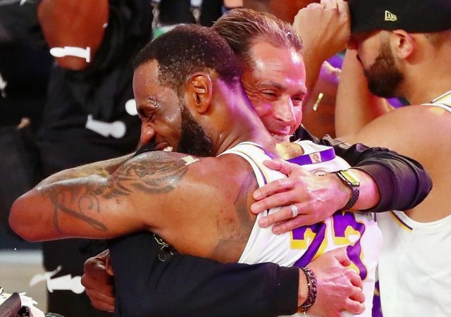 """""""I will make sure LeBron James and all the Lakers are vaccinated!: Rob Pelinka assures fans everyone on the team will be vaccinated, despite the King's complete silence on the matter"""