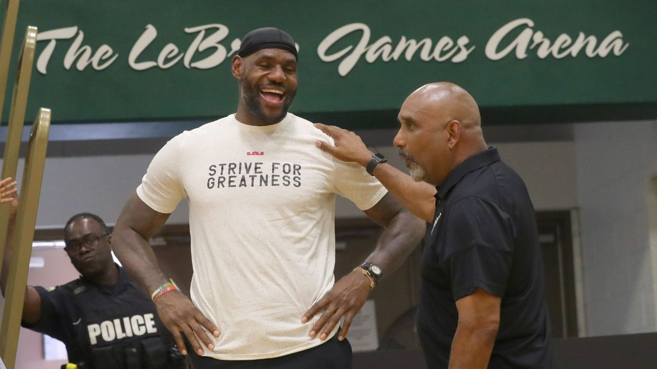 """""""Why is Draymond Green with LeBron James but Russell Westbrook isn't?!"""": NBA Twitter reacts as Lakers and the Warriors star go to the Bucs-Rams game together"""