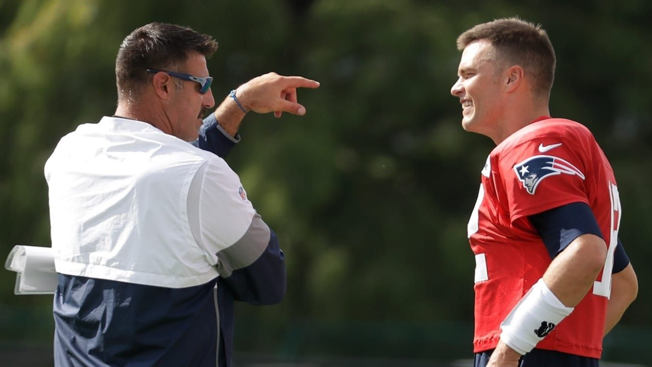"""""""Mike Vrabel is an a--hole, he's fat and out of shape"""": Tom Brady hilariously roasts Titans HC ahead of 2021 NFL season"""