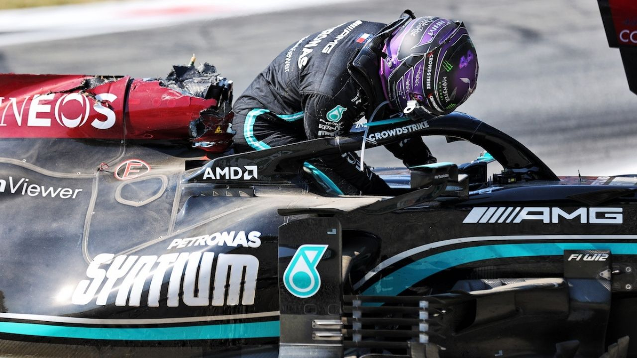 """""""There is a bit of superficial damage""""– Mercedes reveals damages obtained from Lewis Hamilton's crash with Max Verstappen"""