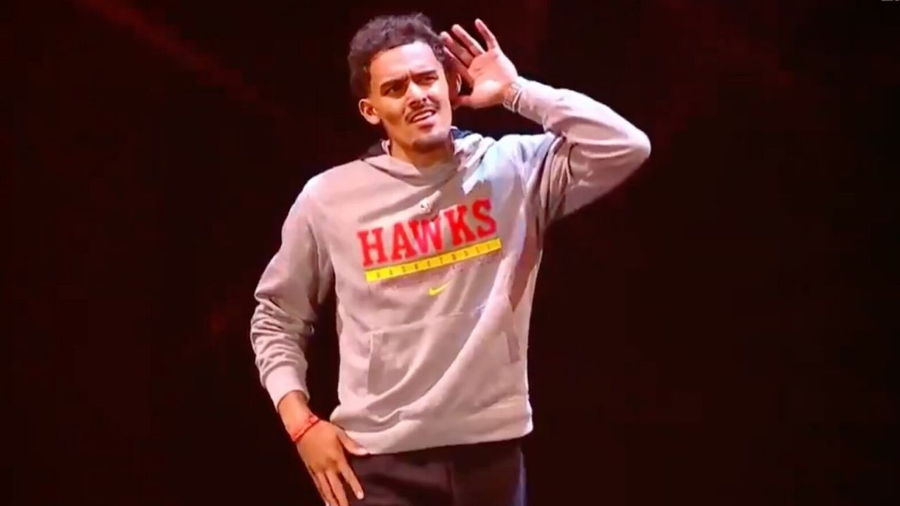 """""""Did you get daddy Giannis' permission for this?"""": NBA Twitter reacts as Trae Young makes his return to MSG, gets thrown out for interference in WWE Smackdown"""