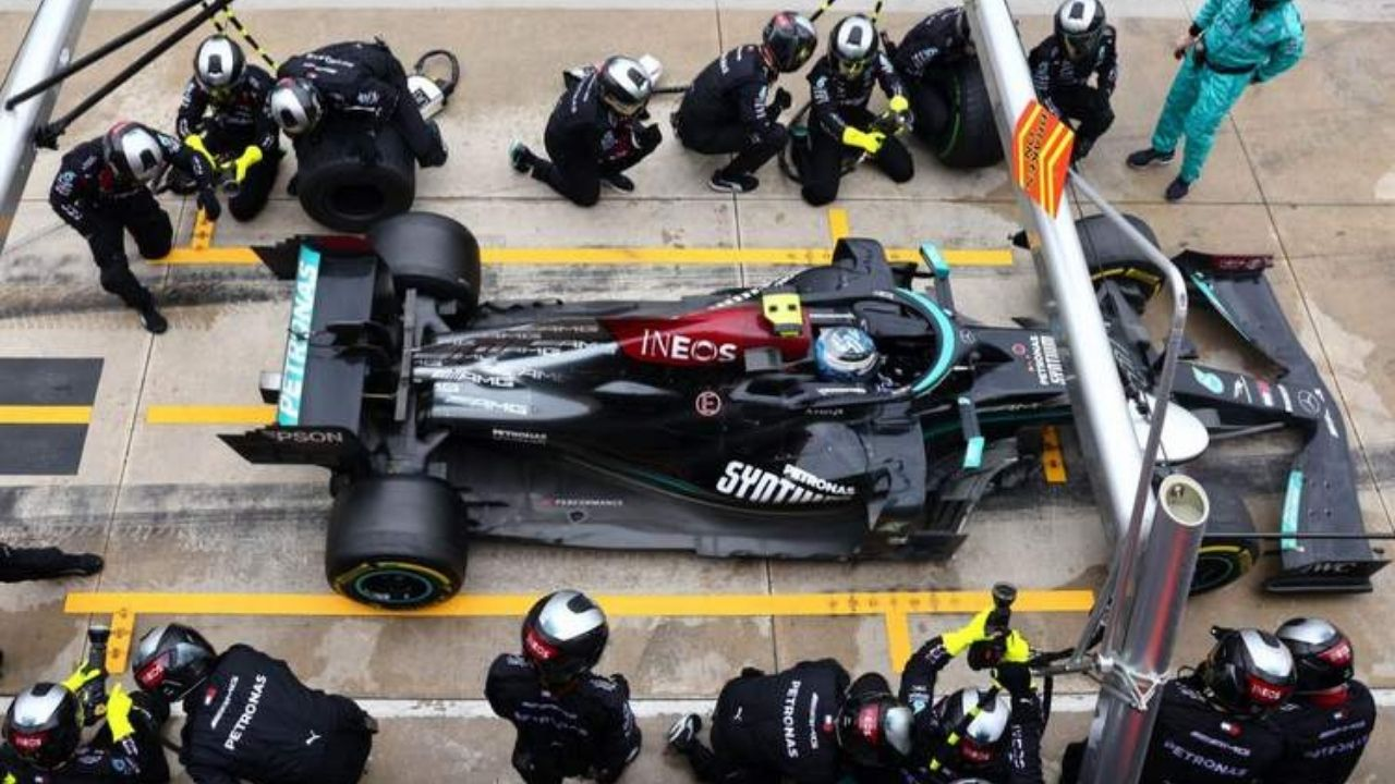 """""""Why did we stop then?""""– Valtteri Bottas calls out Mercedes' bizzare instructions over fastest lap"""