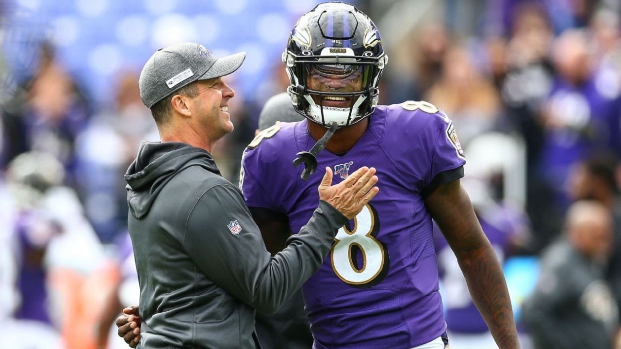 """""""Lamar Jackson! Do you wanna go for it?"""" Watch Ravens HC John Harbaugh defer his 4th down decision to his QB during nail-biter against the Chiefs"""