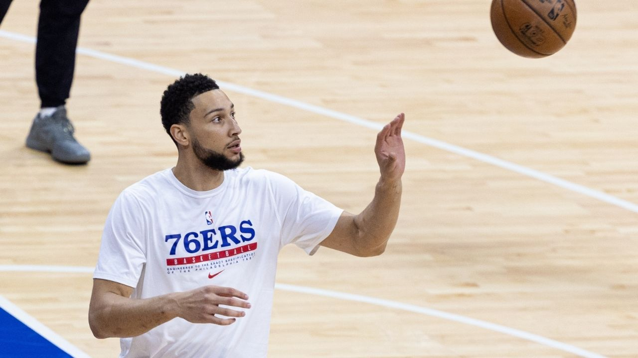 """""""Ben Simmons shot 50% on a mini-hoop"""": Sixers star hilariously flexes offseason workout while bricking a free throw then proceeding to drain one on a mini-hoop"""