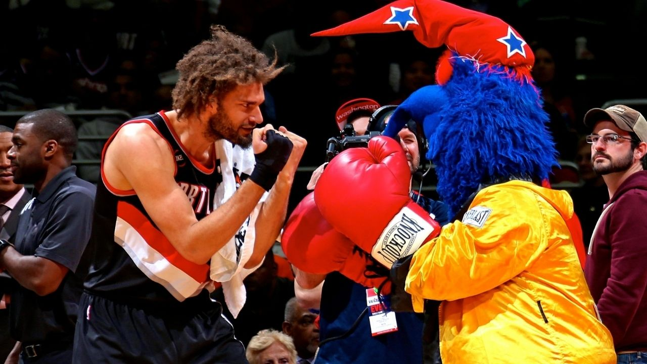 """""""Thunder signed it 'To Robin - where's the W?'"""": Robin Lopez reveals the origins of his seemingly unfounded hatred for mascots goes back to elementary school"""