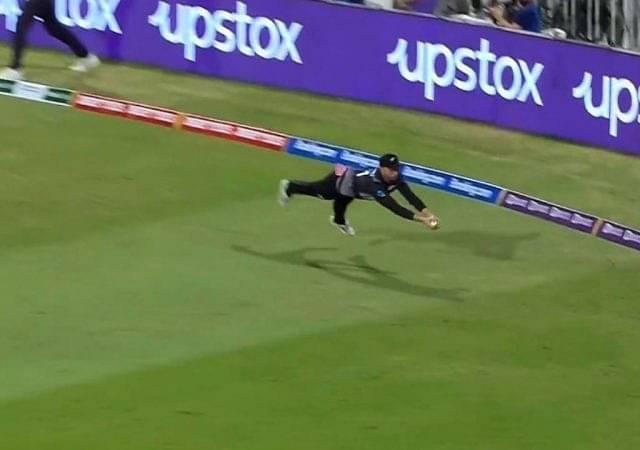 """Unreal catch"": Devon Conway's airborne catch to dismiss Mohammad Hafeez impresses Harbhajan Singh"