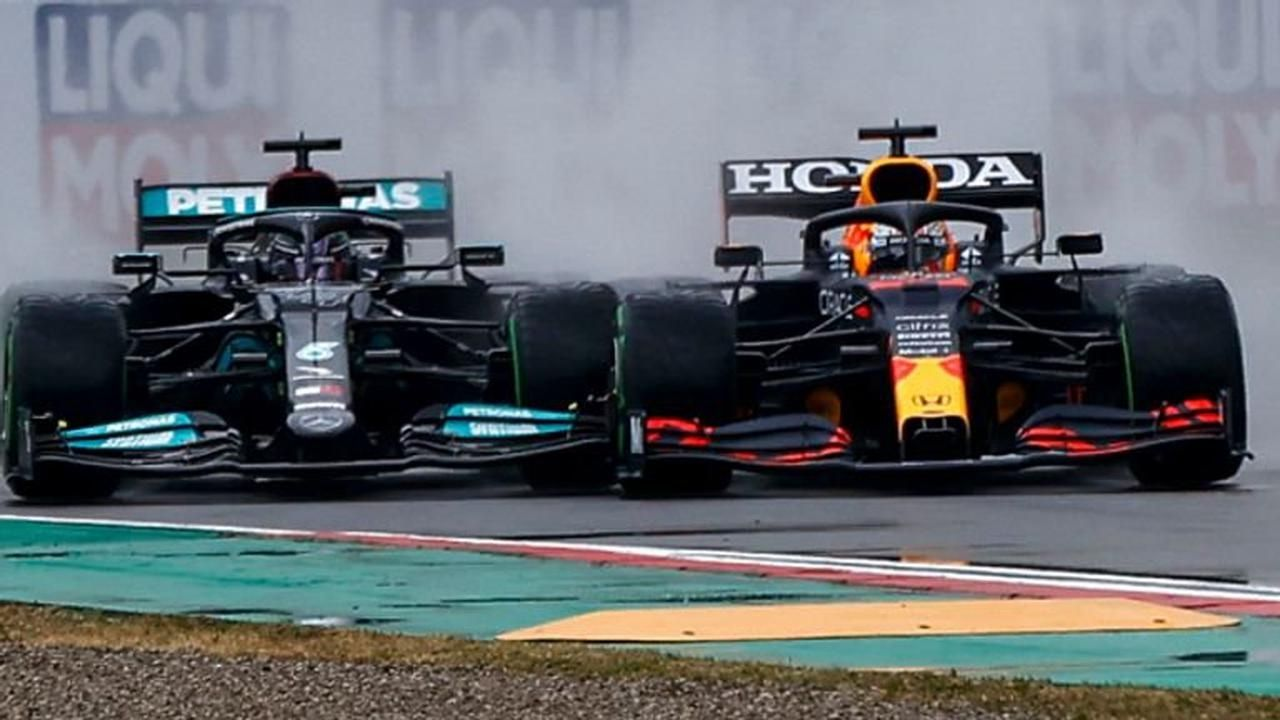 """""""This has felt a lot more political""""– Christian Horner censures political battle with Mercedes amidst championship fight"""