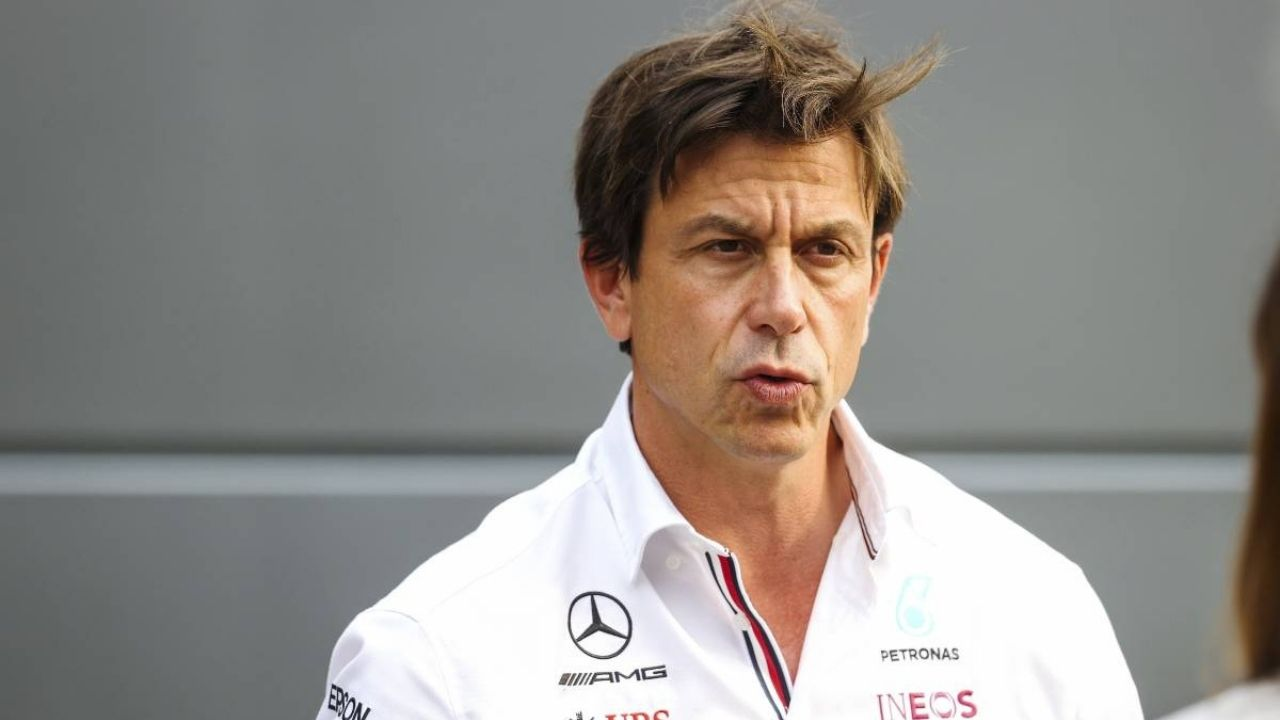 """""""We go through it race by race""""– Toto Wolff claims Lewis Hamilton engine change will be spontaneous"""