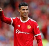 Former WWE Champion throws shade at Cristiano Ronaldo for being too soft.