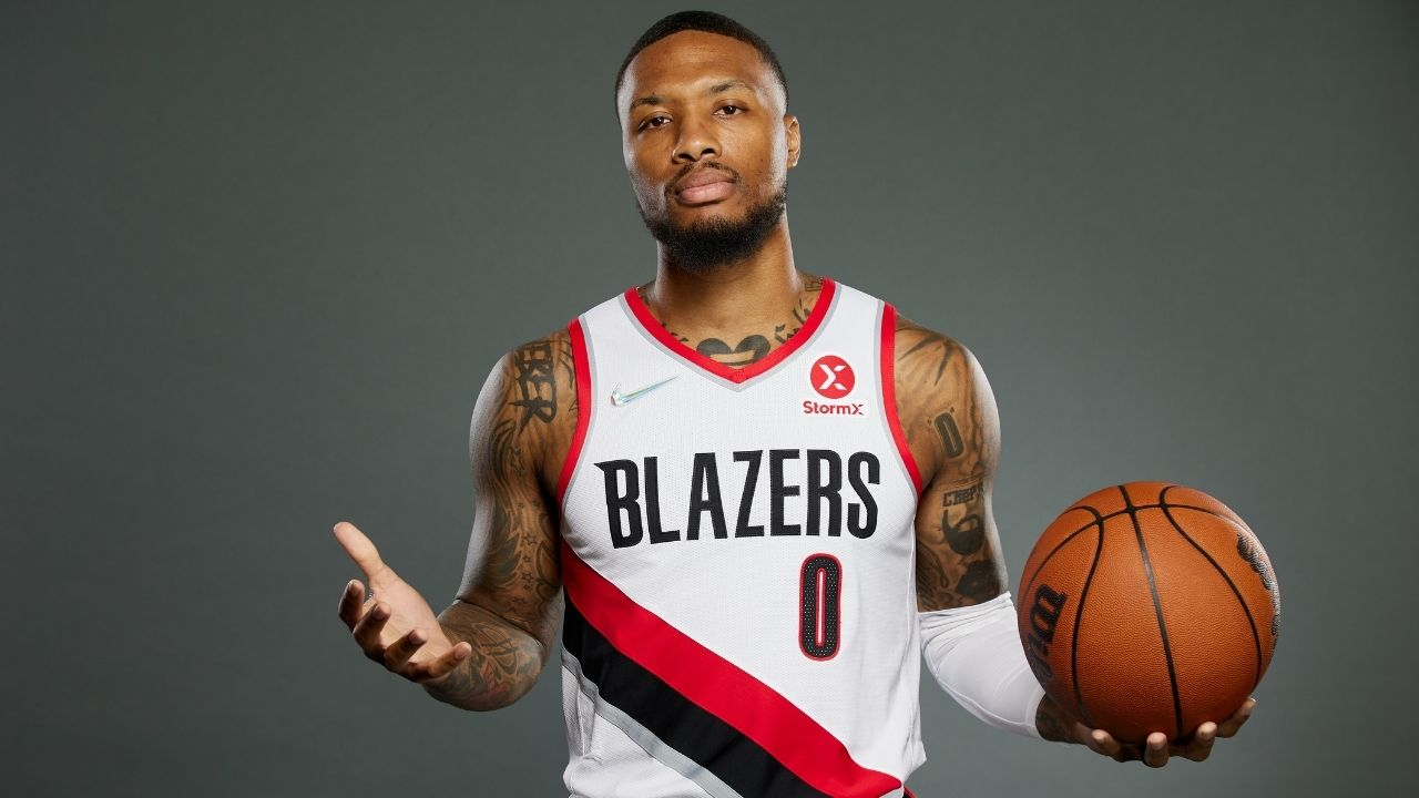 """""""Damian Lillard has more range than Stephen Curry!"""": NBA Twitter reacts to the Blazers superstar knocking down 8 consecutive long distance shots with ease"""